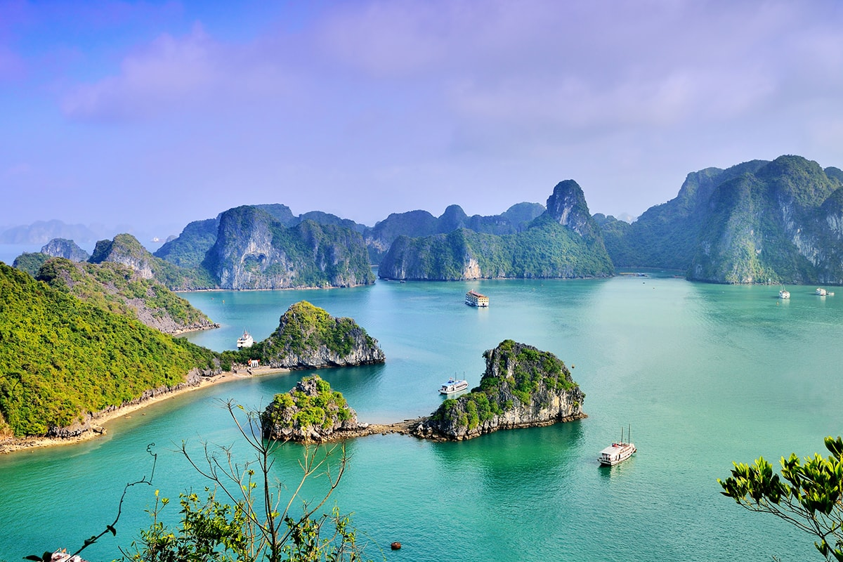 Shipping from Andorra to Vietnam